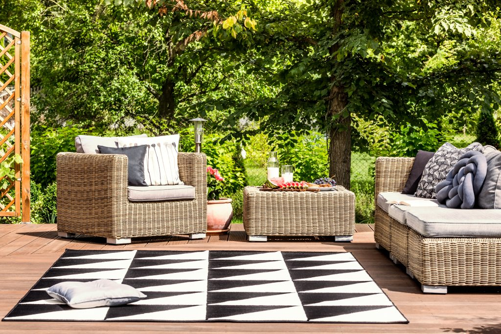 ¿Qué debes tener en cuenta para escoger los muebles para tu jardín?